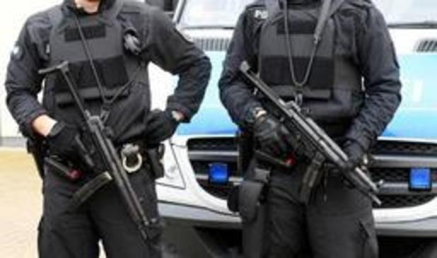 Na invallen bij terreurverdachten in Duitsland blijven drie verdachten in de cel