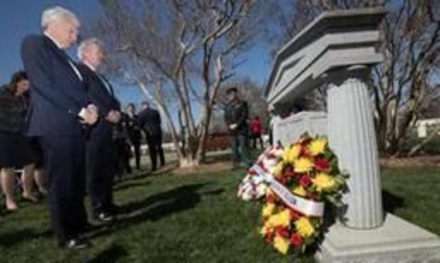 NAVO bestaat 70 jaar - Reynders herdenkt in Washington gesneuvelde soldaten Ardennenoffensief