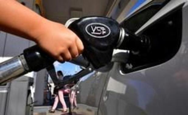 Le pétrole repousse ses sommets avec le durcissement des sanctions contre l'Iran
