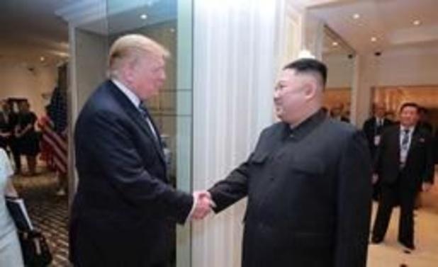 Trump nodigt Noord-Koreaanse leider Kim uit voor ontmoeting aan Koreaanse grens