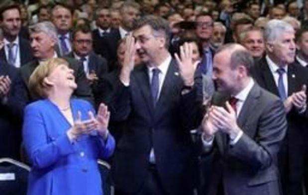 Hautes fonctions européennes - Le PPE torpille un projet d'accord, le sommet retardé de plus de 3 heures