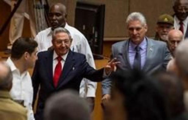 Twitter bloque Raúl Castro et des journalistes