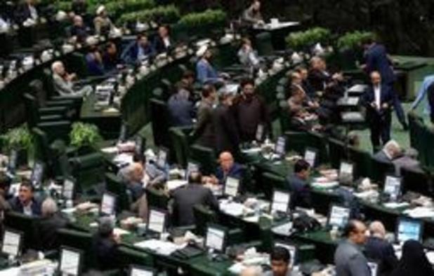 Iraanse parlementsleden manen aan tot terughoudendheid