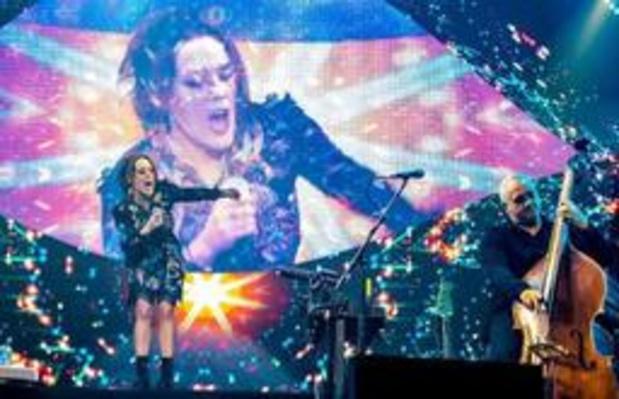 Francofolies de Spa - Zaz fait monter des responsables d'une association liégeoise lors de son concert à Spa