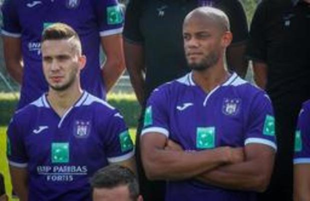 Anderlecht partage à Hambourg après avoir été mené 2-0, Sandler et Nasri jouent 30 minutes