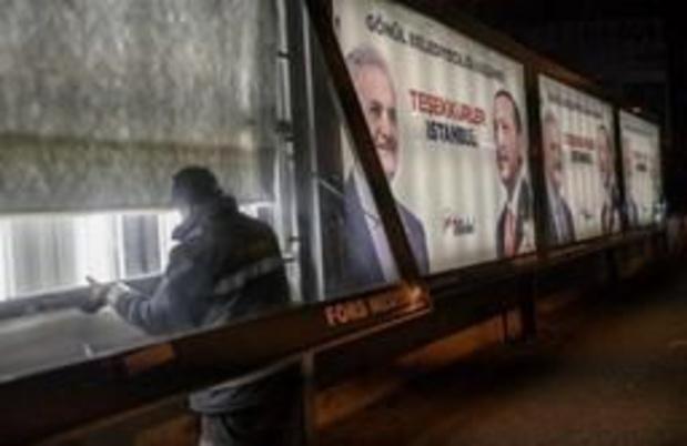 Stemmen worden opnieuw geteld in 8 districten in Istanboel