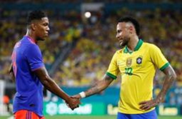 Vriendschappelijke voetbalinterlands - Neymar is bij rentree voor Seleçao meteen goed voor goal en assist