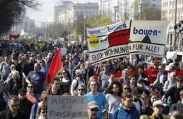 """Duizenden mensen betogen in Berlijn tegen """"huurwaanzin"""""""