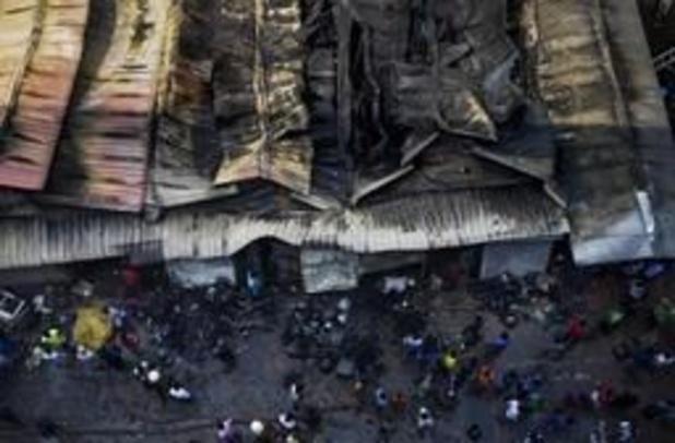 26 doden bij hevige brand flatgebouw Bangladesh: eigenaar opgepakt