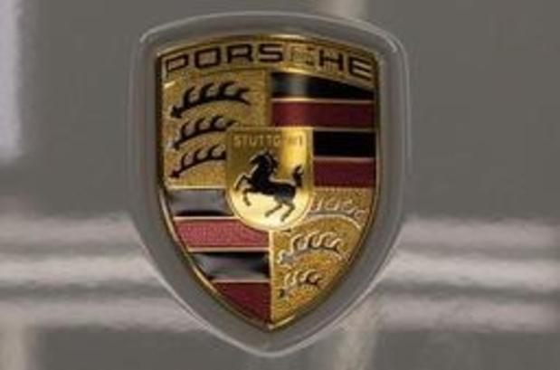 Porsche présente sa première voiture entièrement électrique