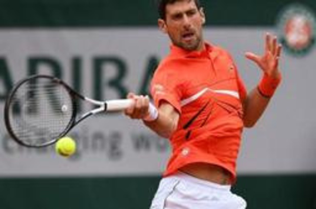Novak Djokovic file en quarts à Roland-Garros sans avoir perdu un set