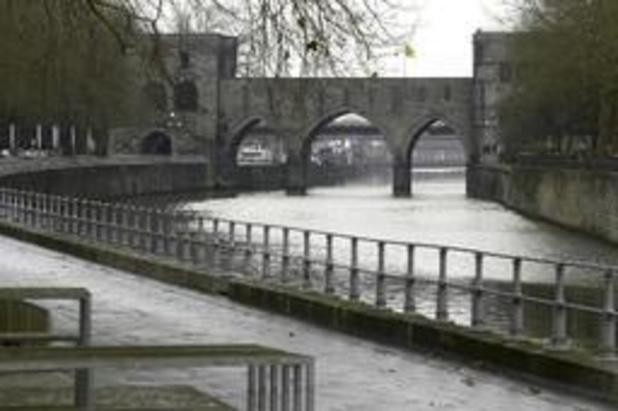 Doornikenaars nemen afscheid van hun Pont des Trous
