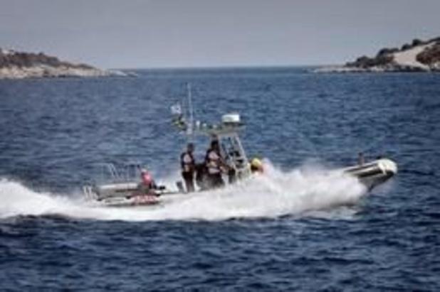 Boot met vluchtelingen kapseist bij Griekse eiland Samos, één vrouw verdrinkt