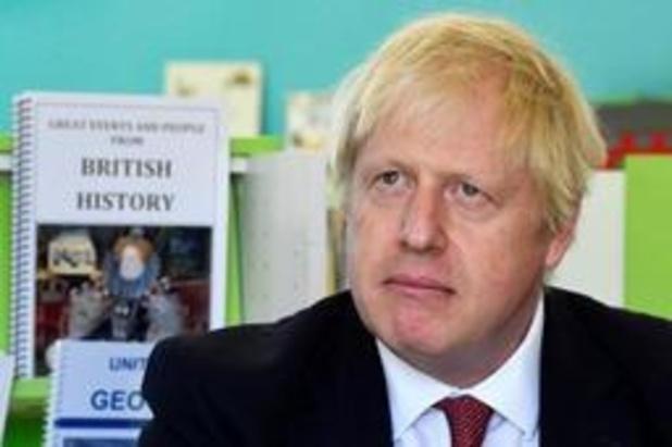 """""""Regering-Johnson onderzoekt bouwen van brug tussen Noord-Ierland en Schotland"""""""