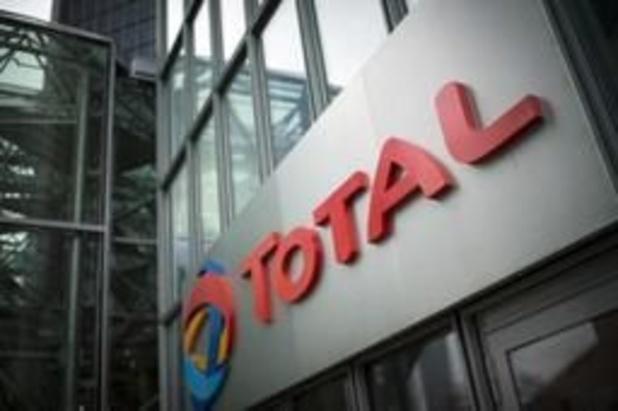 Total: quand le pétrole se négocie à 30 dollars le baril