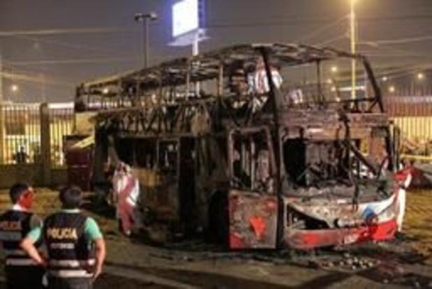 Minstens 20 doden bij brand van autobus in Lima