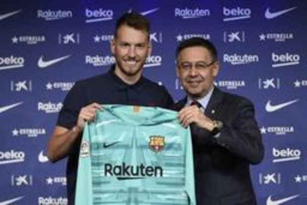 Barcelona ziet invallersdoelman Neto uitvallen met polsbreuk