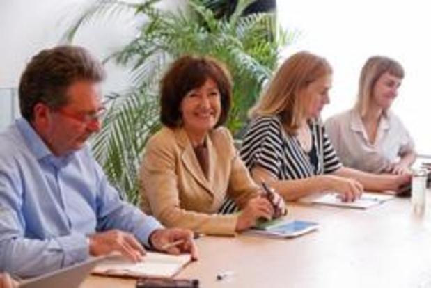 Consultaties middenveld afgerond; wachten op de keuze van de Franstalige partners