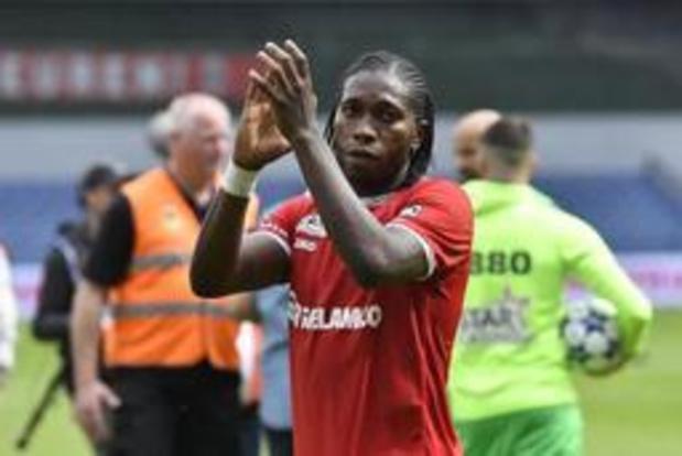 Mbokani verlengt voor een extra jaar bij Antwerp
