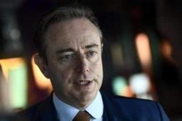 Ook De Wever ziet asielcentrum in Deurne niet zitten