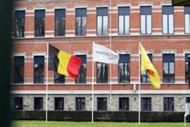 Ngo's dagen Waalse regering voor rechtbank