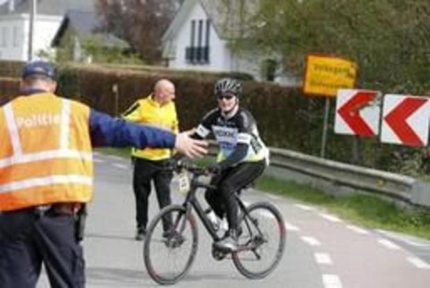 Quelque 16.000 cyclos amateurs ont roulé samedi leur Tour des Flandres