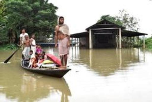 Minstens zes doden en duizenden mensen dakloos door overstromingen in India