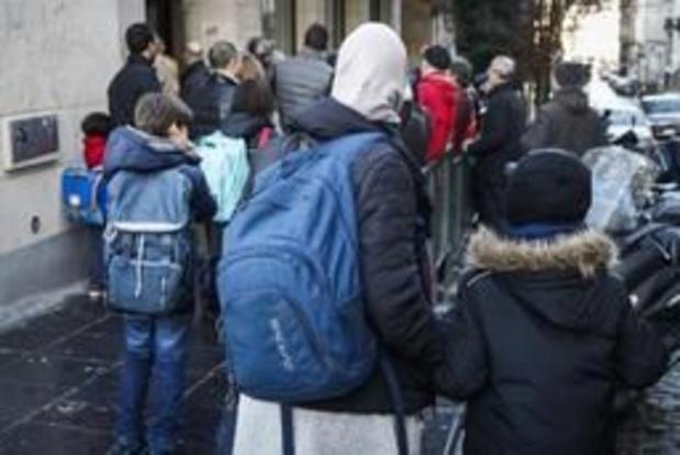 Startnota: hoofddoekenverbod in scholen en achter loketten