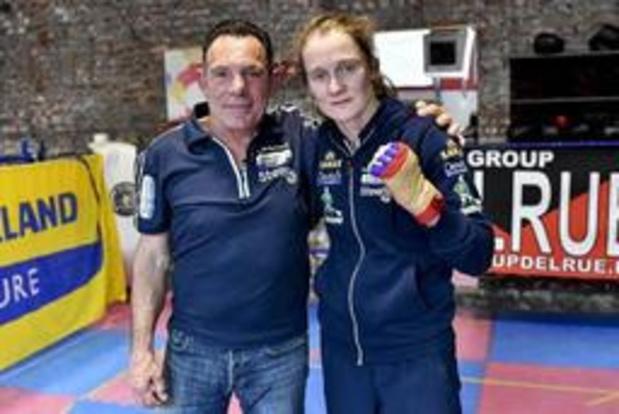 Coach Delfine Persoon vraagt WBC om rematch tegen Taylor