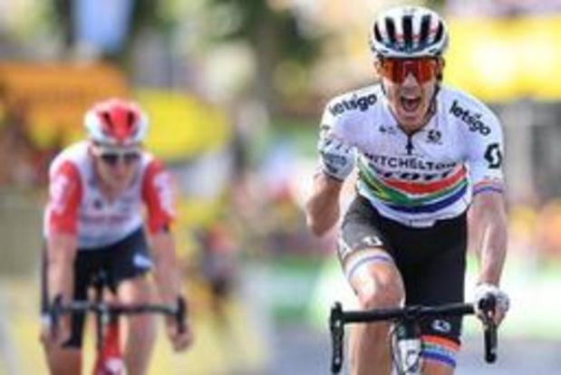 Le Sud-Africain Daryl Impey bat Tiesj Benoot au sprint et gagne la 9e étape