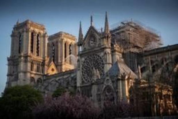 Stellingenbedrijf schuift verantwoordelijkheid voor brand in Notre-Dame van zich af