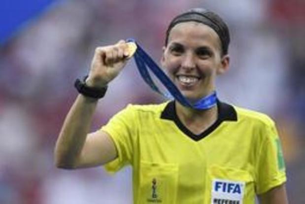 Scheidsrechter Stéphanie Frappart mag voetbalgeschiedenis schrijven in Europese Supercup