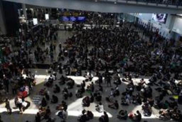 Opnieuw honderden manifestanten op luchthaven Hongkong