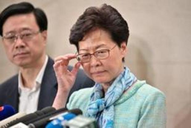 """Uitleveringswet Hongkong - Regeringsleider veroordeelt """"extreem gewelddadige"""" invasie van parlement"""