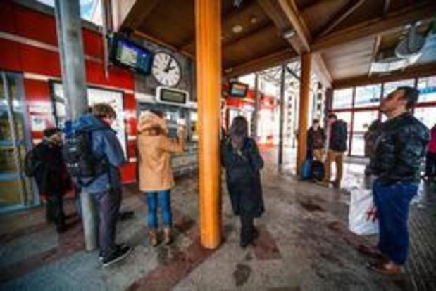 ACOD Spoor niet te spreken over nieuwe knip in openingsuren stationsloketten