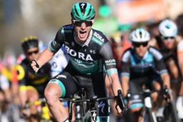 Bennett sprint naar de zege in Dauphiné, Teuns blijft leider