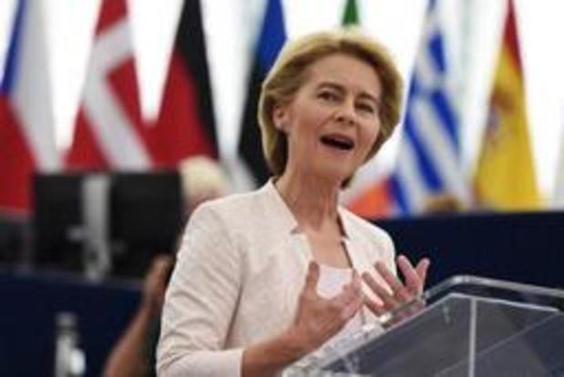 """Ursula von der Leyen """"prête à envisager un report supplémentaire"""" du Brexit"""