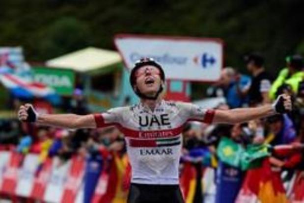"""Vuelta - Ritwinnaar Pogacar dankt regenweer: """"In deze omstandigheden kan ik iets meer"""""""