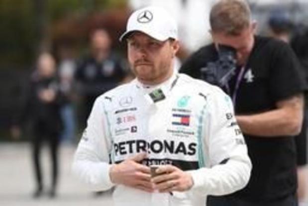 F1 - GP van China - WK-leider Bottas verovert polepositie voor duizendste Grote Prijs
