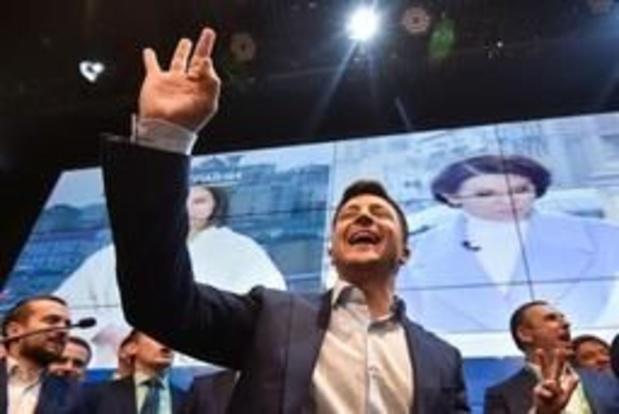 """Présidentielle en Ukraine - Volodymyr Zelensky veut """"relancer"""" le processus de paix impliquant la Russie"""