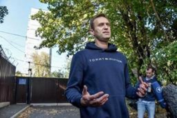 Artsen vinden aanwijzing vergiftiging Navalny, Merkel eist onderzoek