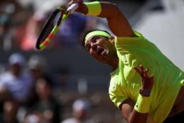 Nadal passe sans problème en quarts