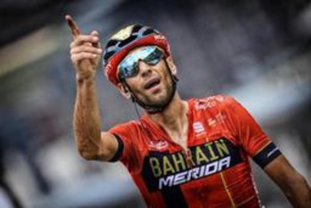 Tour de France - Vincenzo Nibali fleurt Tour op met ritzege in Val Thorens