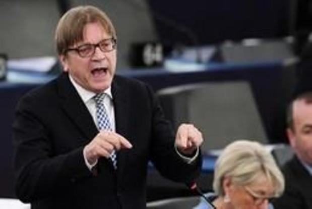 Verhofstadt en Tusk kruisen degens over uitstel tot 31 oktober