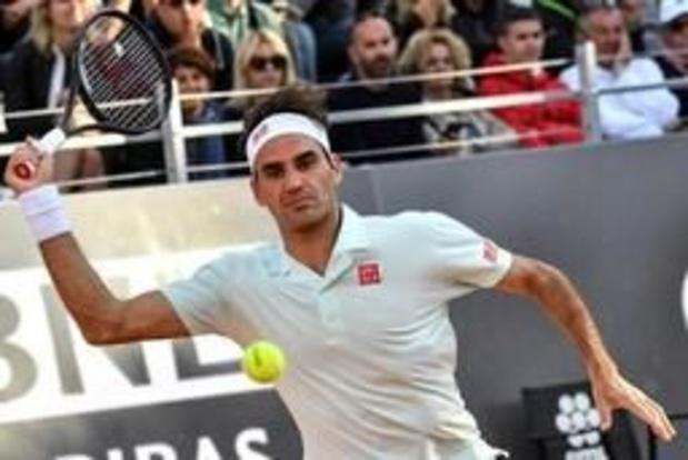 Roger Federer, blessé à la jambe droite, forfait
