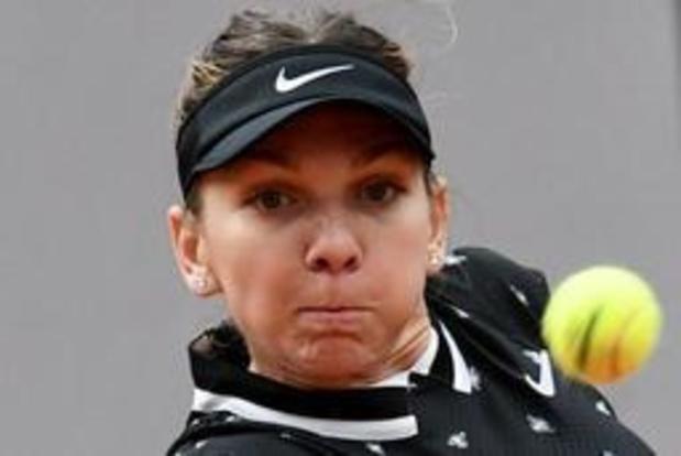 Simona Halep, tenante du titre, émerge en trois sets de son premier tour