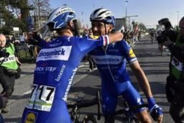 Zdenek Stybar houdt Wout van Aert van zege in E3 Harelbeke