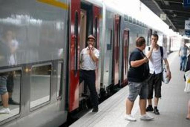 Spoorstaking - Staking OVS van start gegaan, ongeveer helft van de treinen rijdt