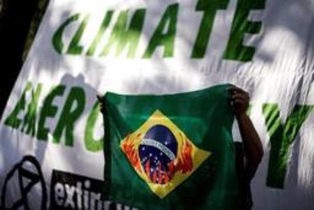 Braziliaanse ambassade in Brussel beklad met verf