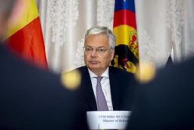 Buitenlandse reizen onderhandelaars geen hinderpaal, vindt Reynders